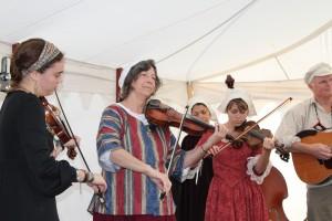 O How the Fiddle draws you closer to God